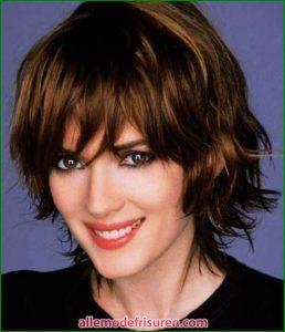 10 Kurze Frisuren Länge für lockiges Haar