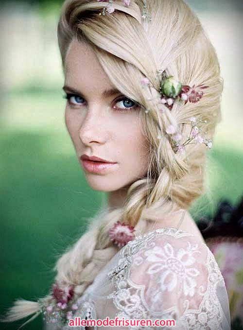 Braut Frisuren Zöpfe Blumen