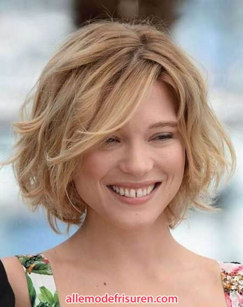 sexy kurze wellige haarschnitte frisuren fuer damen 10 - Sexy Kurze wellige Haarschnitte & Frisuren für Damen