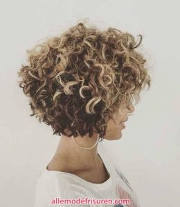 kurze lockige haarschnitte fuer lange gesichter 9