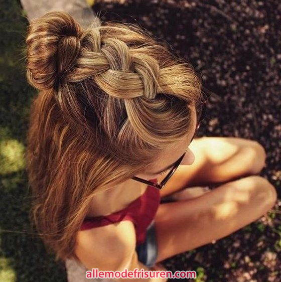 Geflochtenes Half Top Hair Modell